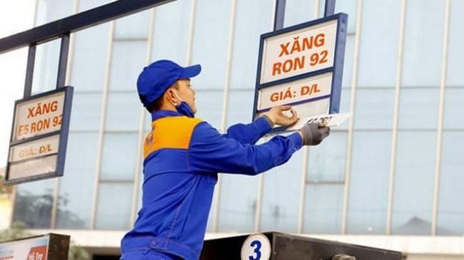 """Nghi vấn """"găm"""" xăng dầu chờ tăng giá: Bộ trưởng Công thương yêu cầu khẩn trương kiểm tra  - Ảnh 1"""