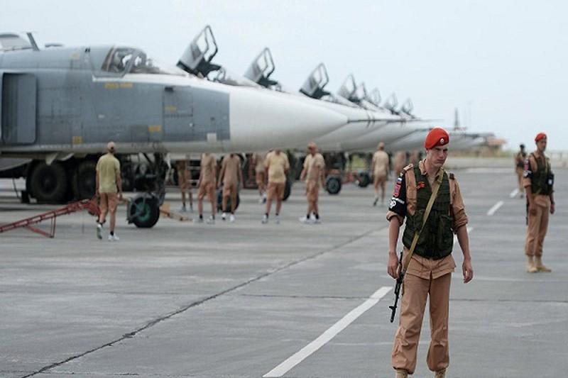 Tình hình Syria: Khủng bố tấn công dữ dội vào căn cứ không quân Hmeimim của Nga - Ảnh 1