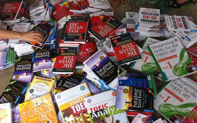 Gian hàng bán sách lậu trên mạng sẽ bị khóa vĩnh viễn  - Ảnh 1