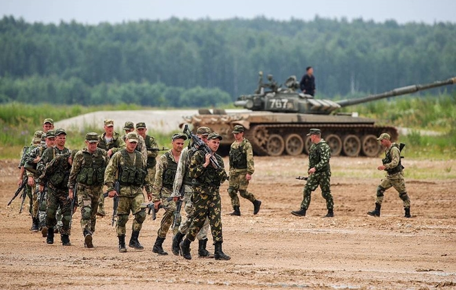 Tổng thống Putin kiểm tra đột xuất quân đội, 149.755 binh sĩ Nga tham dự - Ảnh 1