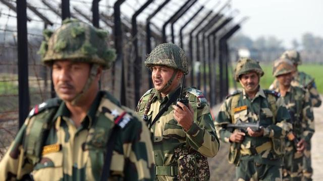 Pakistan bị cáo buộc dùng súng cối hạng nặng nã về phía biên giới Ấn Độ - Ảnh 1