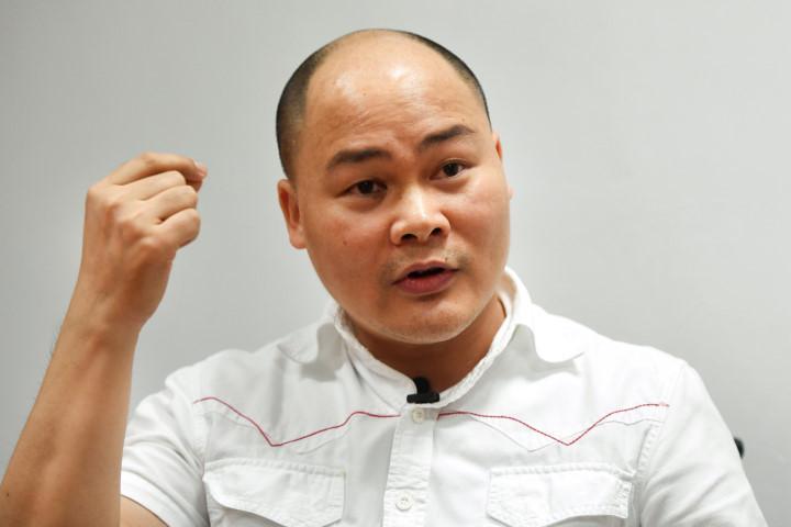 CEO Nguyễn Tử Quảng bất ngờ rút đơn kiện người 'ném đá' Bphone - Ảnh 1