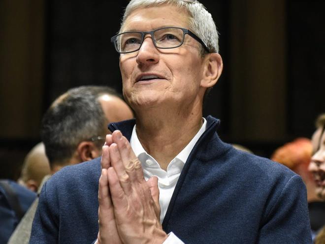 Apple chính thức trở thành công ty 2.000 tỷ USD thứ hai trên thế giới - Ảnh 1