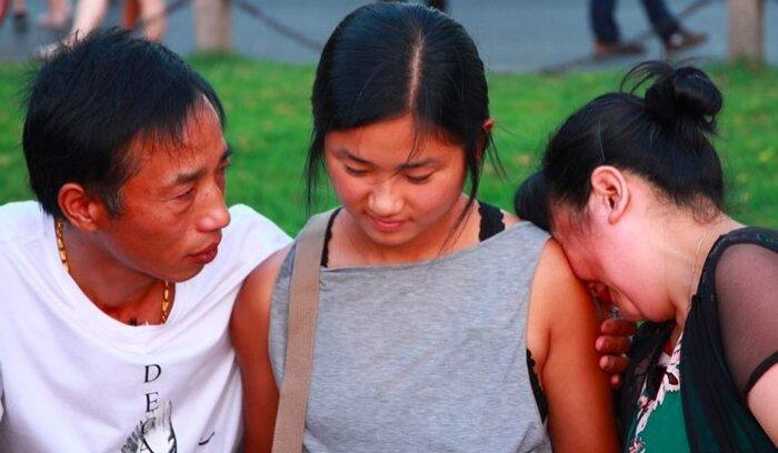 Cha mẹ đau đớn bỏ rơi con gái nhỏ ngoài chợ rau và cuộc đoàn tụ đẫm nước mắt sau 22 năm xa cách bặt tin con - Ảnh 2