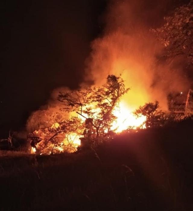Hỏa hoạn thiêu rụi 3 ngôi nhà tại Sa Pa, 1 người tử vong - Ảnh 1