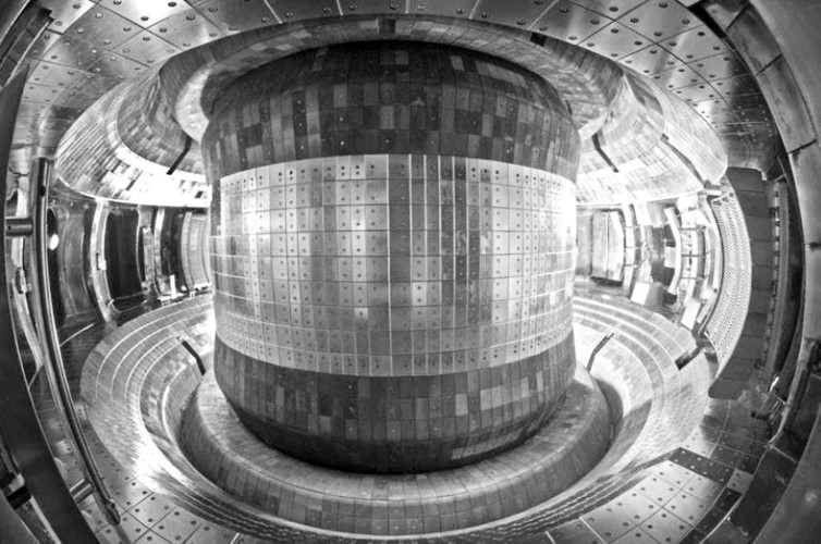 Tin tức công nghệ mới nóng nhất hôm nay 7/8: Pháp bắt đầu lắp ráp lò phản ứng nhiệt hạch khổng lồ - Ảnh 1