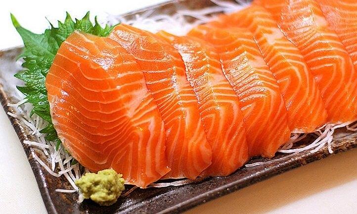 Ăn cá hồi theo cách này, bổ dưỡng đâu chưa thấy mà coi chừng rước bệnh vào thân - Ảnh 1