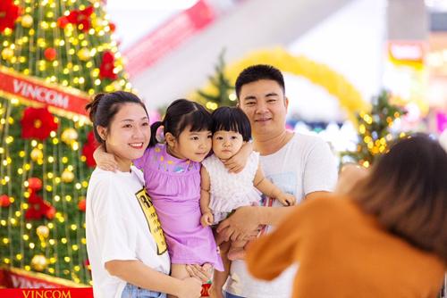 """Giới trẻ 3 miền nô nức đón Giáng sinh ở xứ sở """"Thiên thần"""" - Ảnh 5"""