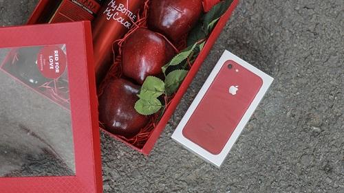Thế Giới Di Động giao iPhone 7 Red đầu tiên ngay trong ngày cuối tuần - Ảnh 3