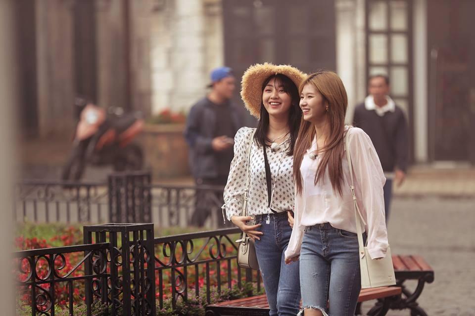 """Những """"nữ thần"""" TWICE thích thú trải nghiệm Sun World Ba Na Hills - Ảnh 1"""