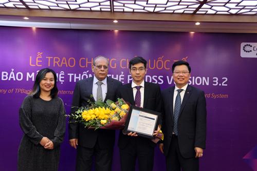 TPBank nhận chứng chỉ bảo mật quốc tế về an toàn thẻ - Ảnh 1