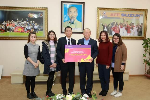 TPBank trao thưởng 1,6 tỷ đồng cho Đội tuyển U23 Việt Nam - Ảnh 1