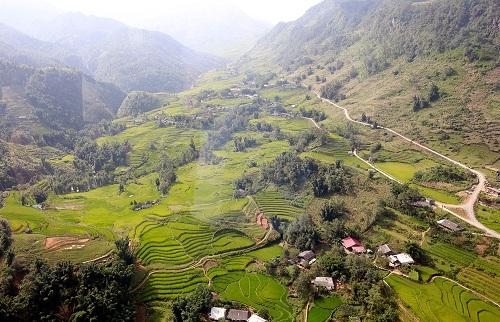 Mùa thu về, lên ngay Fansipan ngắm ruộng bậc thang đã nức thơm hương lúa - Ảnh 2