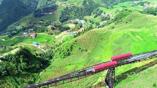 Mùa thu về, lên ngay Fansipan ngắm ruộng bậc thang đã nức thơm hương lúa - Ảnh 4