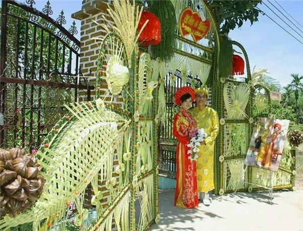 """Ngỡ ngàng những chiếc cổng cưới trang trí bằng lá dừa """"chất"""" nhất Việt Nam - Ảnh 2"""