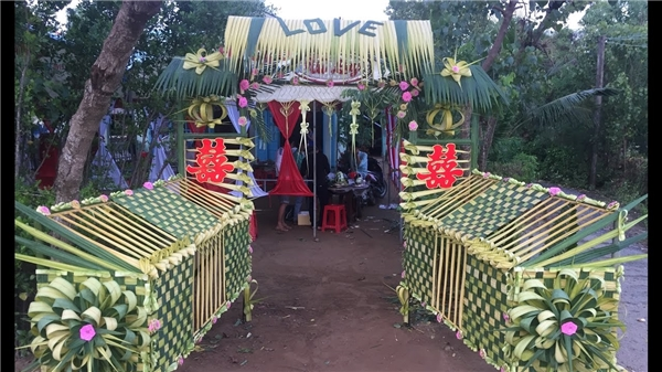 """Ngỡ ngàng những chiếc cổng cưới trang trí bằng lá dừa """"chất"""" nhất Việt Nam - Ảnh 5"""