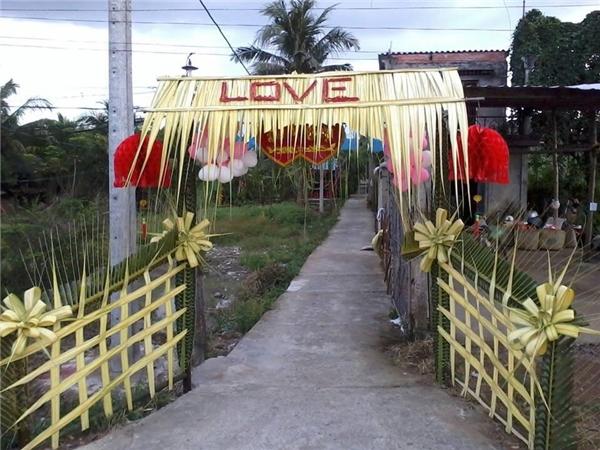 """Ngỡ ngàng những chiếc cổng cưới trang trí bằng lá dừa """"chất"""" nhất Việt Nam - Ảnh 6"""