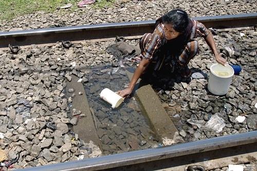 Những khoảnh khắc về cảnh thiếu nước ám ảnh hàng triệu người - Ảnh 7
