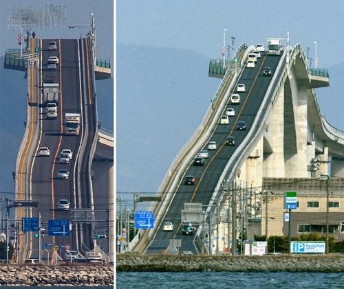 Thót tim với độ dốc thẳng đứng của cây cầu không khác gì tàu lượn siêu tốc - Ảnh 1