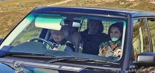 Tham gia giao thông suốt 70 năm, đây là người phụ nữ duy nhất ở Anh không có giấy phép lái xe - Ảnh 2