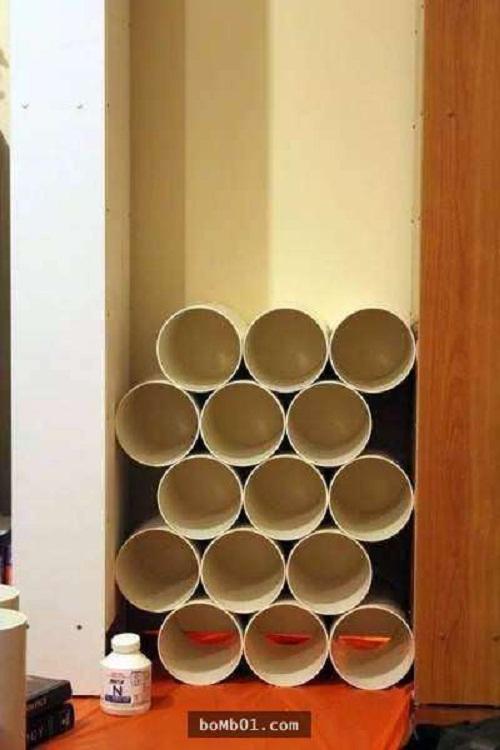 Bực mình vì tủ giày bừa bộn, anh chồng mua ống nhựa về giải quyết khiến vợ bất ngờ - Ảnh 1