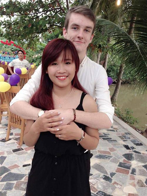 """Chuyện tình ngọt ngào của cô gái Việt """"săn"""" chồng Tây từ lớp 9 - Ảnh 2"""