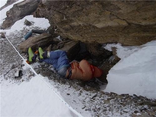 Những cái chết đầy ám ảnh trên đỉnh núi Everest - Ảnh 3
