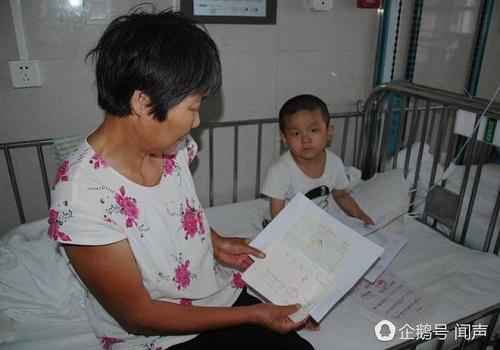 Bị bỏ rơi vì ung thư máu, bé 4 tuổi vẽ tranh mẹ cho đỡ nhớ: 'Nếu con khỏi bệnh, mẹ có về không?' - Ảnh 2