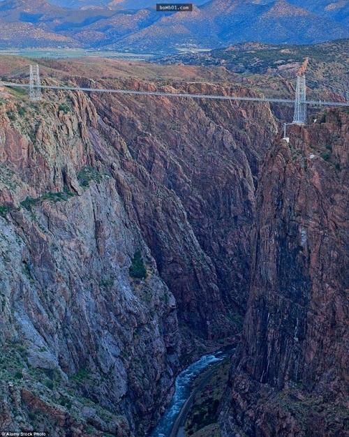 """Những cây cầu nguy hiểm nhất hành tinh khiến bạn phải """"chùn bước"""" - Ảnh 14"""