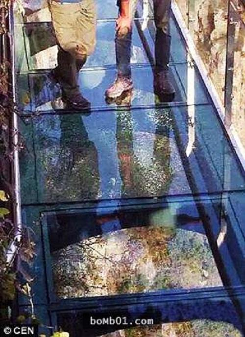 """Những cây cầu nguy hiểm nhất hành tinh khiến bạn phải """"chùn bước"""" - Ảnh 3"""