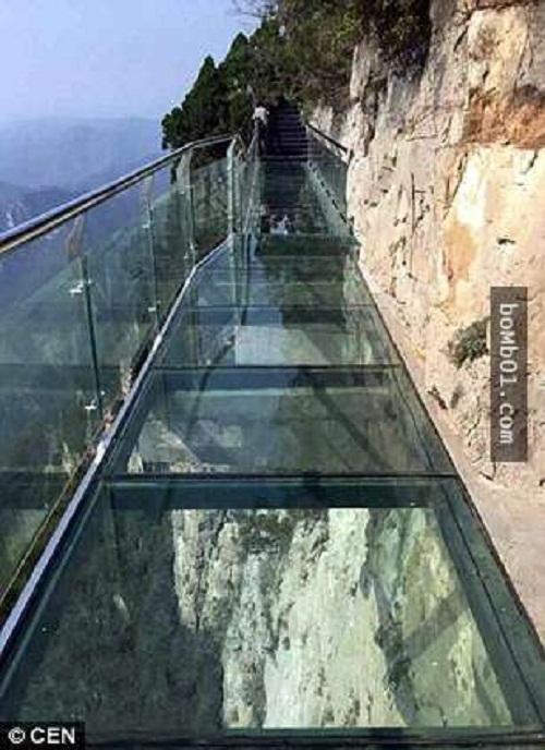 """Những cây cầu nguy hiểm nhất hành tinh khiến bạn phải """"chùn bước"""" - Ảnh 4"""