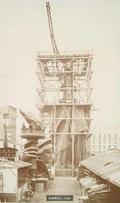 """Nhìn lại """"quá khứ vàng son"""" của các công trình kiến trúc nổi tiếng thế giới - Ảnh 3"""