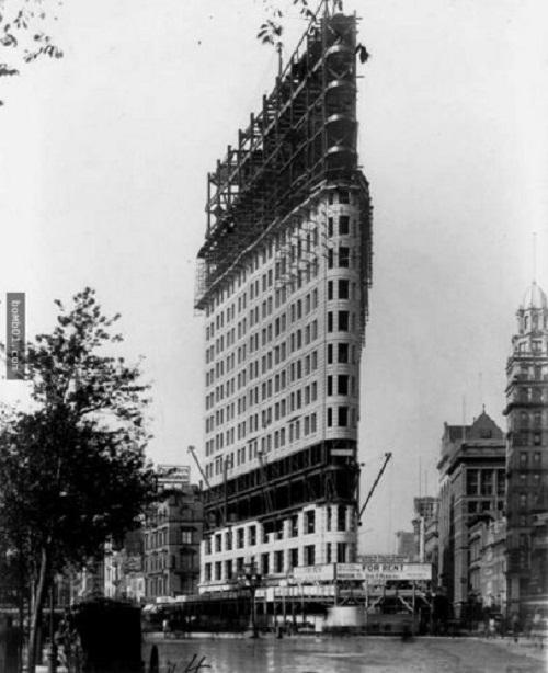 """Nhìn lại """"quá khứ vàng son"""" của các công trình kiến trúc nổi tiếng thế giới - Ảnh 6"""