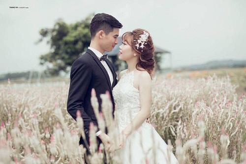 Chuyện tình như phim của cặp đôi Việt làm bạn 20 năm rồi cưới - Ảnh 1