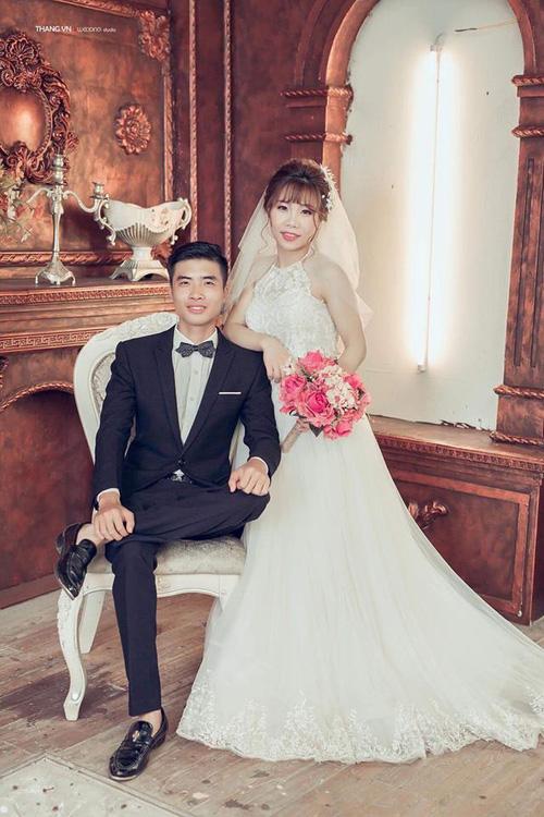Chuyện tình như phim của cặp đôi Việt làm bạn 20 năm rồi cưới - Ảnh 4