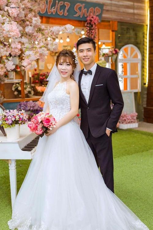 Chuyện tình như phim của cặp đôi Việt làm bạn 20 năm rồi cưới - Ảnh 6