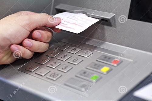 Mối nguy hiểm từ tờ biên lai ATM vô hại mà nhiều người không biết - Ảnh 1