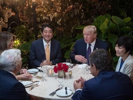 Donald Trump 'nhờ' các thành viên trong câu lạc bộ golf chọn nội các - Ảnh 1