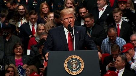 Donald Trump nổi giận vì sắc lệnh cấm nhập cư mới lại bị chặn ngay phút chót - Ảnh 1