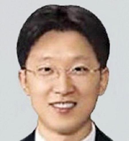 Chân dung vị thẩm phán sẽ quyết định số phận bà Park Geun-hye - Ảnh 1