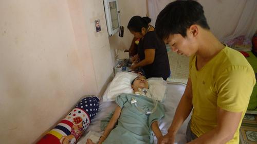 Sau vụ nổ ở Văn Phú, Hà Đông: Người phụ nữ xinh đẹp trở nên xơ xác cùng cực - Ảnh 8