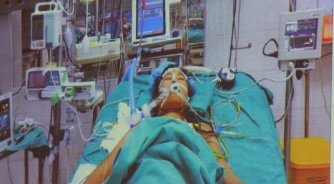 Con gái có nguy cơ 90% tử vong, bố cho nửa lá gan  - Ảnh 2