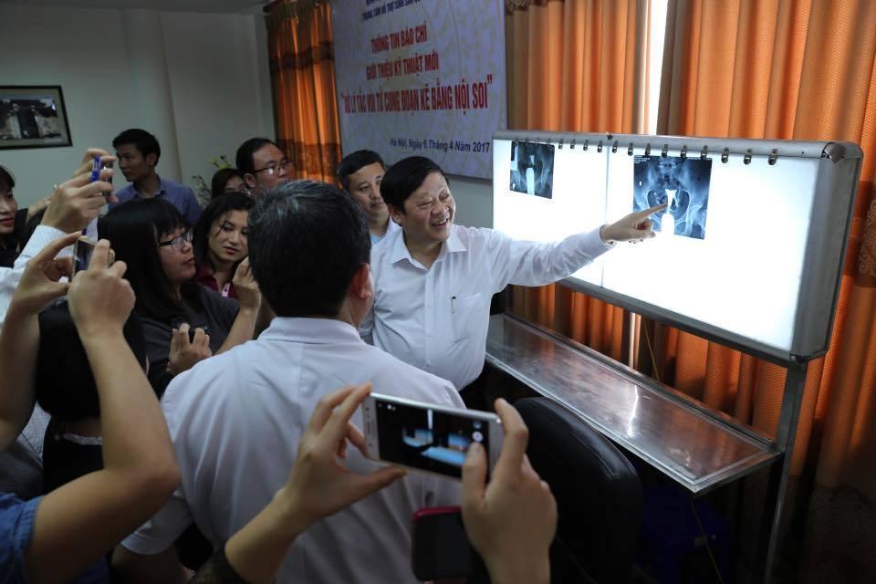 Thứ trưởng Bộ Y tế nói về ca phẫu thuật mới chữa vô sinh chỉ mất vài triệu đồng - Ảnh 1