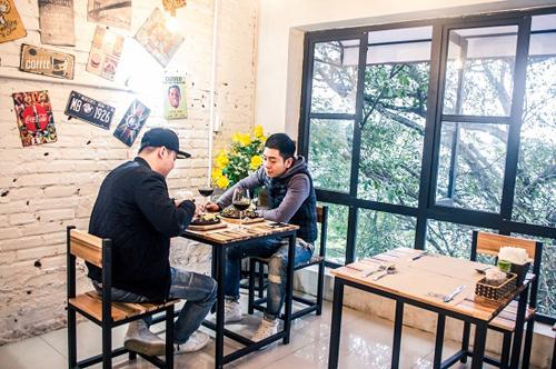 Những nhà hàng có không gian xanh ở Hà Nội - Ảnh 1