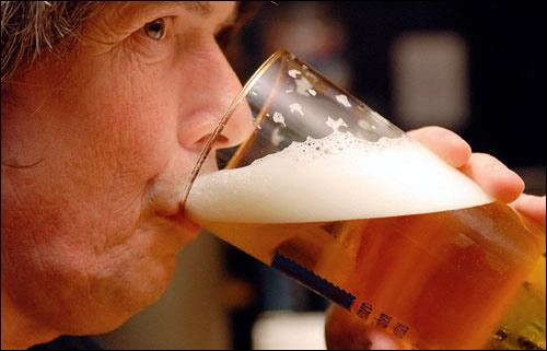 Những người này nếu cố tình uống bia, rượu: Nguy hại tính mạng - Ảnh 3