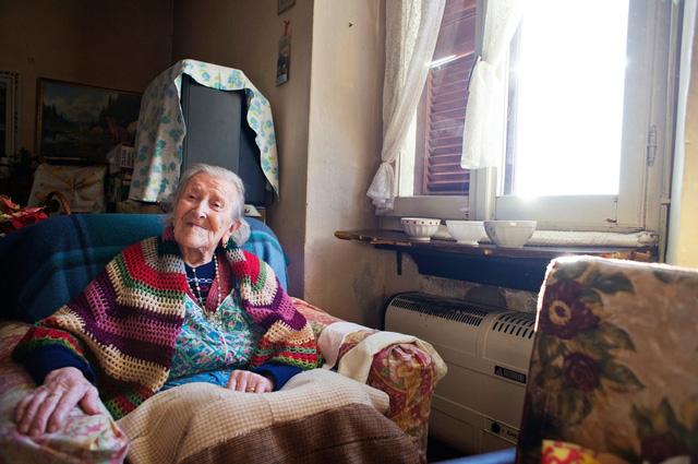 Bí quyết sống độc thân mà trường thọ của các cụ bà  - Ảnh 4