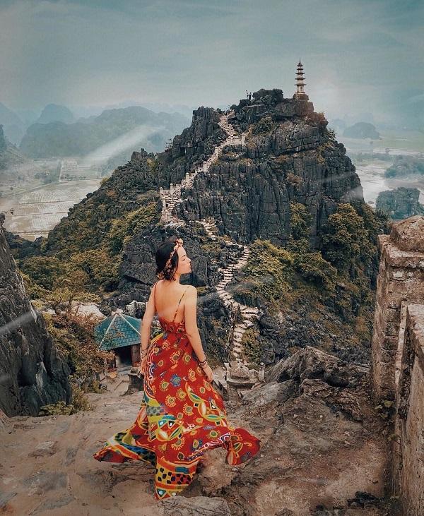 Ninh Bình đẹp ma mị giữa mùa Đông như phim cổ trang - Ảnh 4