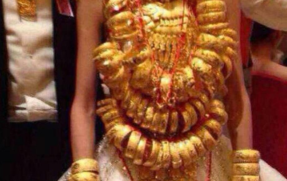 Chuyện bi hài: Chị chồng tặng vàng giả trong đám cưới, còn khoe khắp nơi - Ảnh 2