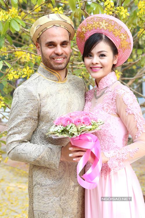Tò mò cuộc sống của diễn viên, ca sĩ Việt khi làm dâu trên đất Thụy Sĩ - Ảnh 1