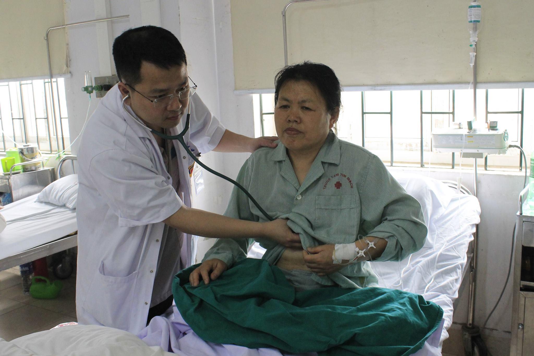 Đang đi du lịch, khách nước ngoài bị nhồi máu, được Bệnh viện E cứu sống - Ảnh 1